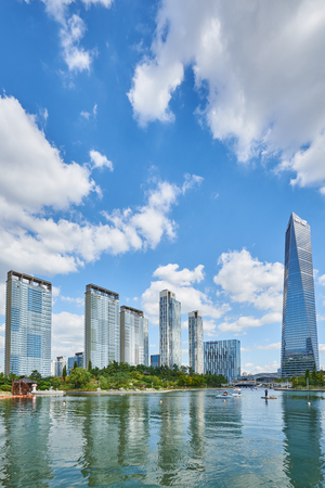 ubiquitous: Songdo, Korea - September 07, 2015: Songdo International Business District (Songdo IBD) is a new smart city built in Incheon, South Korea. SIBD is connected to Incheon International Airport by highway bridge and it is a part of the Incheon Free Economic Z