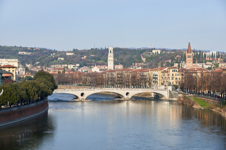 river banks: Ponte della Vittoria (Victory Bridge), a bridge located in Verona on the river Adige . It owes its name to the victory of Vittorio Veneto.