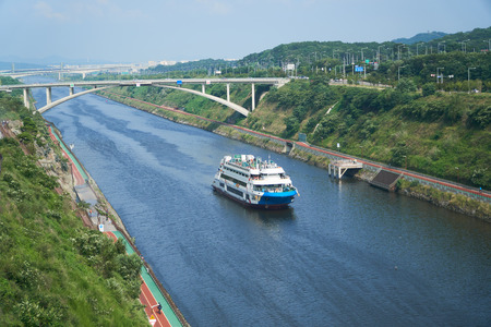 Cruise ship on Gyeongin Ara Waterway, which is a canal between Gimpo and Incheon. It was built in 2012 for the purpose of flood control and leisure pursuits.