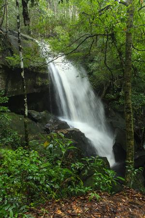 loei: Tum Yai Waterfall at Phu Kradueng National Park, Loei, Thailand Stock Photo