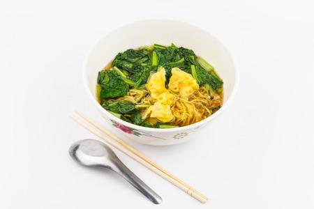 chinesisch essen: Asian wonton Suppe