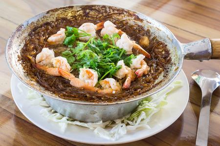 heathy diet: shrimps with glass noodles