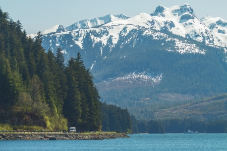Tourist within alaska s landscape 版權商用圖片 - 24723891
