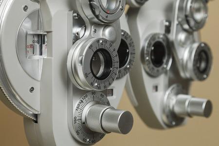 examen de la vista: For�ptero dispositivo �ptico para la medici�n de la visi�n del ojo humano