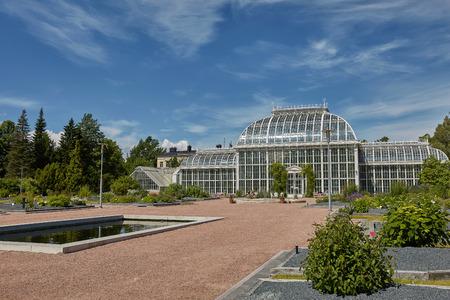 芬兰赫尔辛基的Kaisaniemi植物园及其温室。