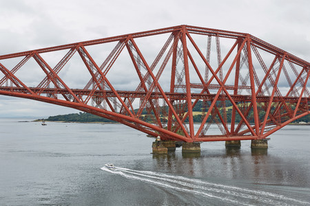 The Forth Rail Bridge, Scotland, connecting South Queensferry (Edinburgh) with North Queensferry (Fife) Stock Photo - 123489935