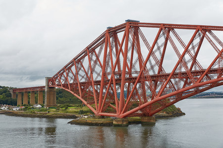The Forth Rail Bridge, Scotland, connecting South Queensferry (Edinburgh) with North Queensferry (Fife) Stock Photo - 123490547