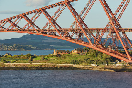 The Forth Rail Bridge, Scotland, connecting South Queensferry (Edinburgh) with North Queensferry (Fife) Stock Photo - 123490551