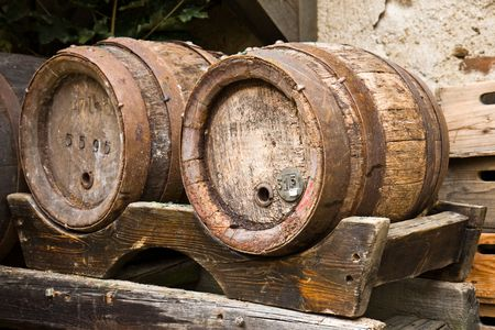 iron hoops: the wood barrels on stand