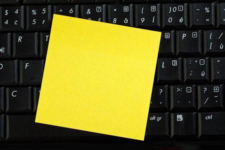 memo paper on laptop Stock Photo - 6558680