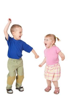 silueta ni�o: disparo de estudio de dos baile infantil