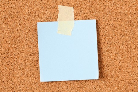 the note paper on corkboard Stock Photo - 7266615
