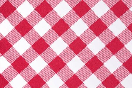 picnic blanket: toma de la foto de patr�n a cuadros rojo y blanco  Foto de archivo