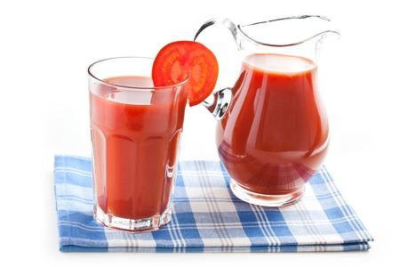 jugo de tomate: toma de la foto de jugo de tomate