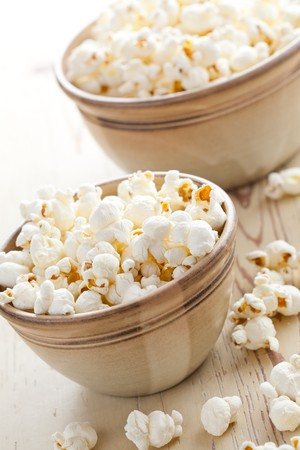 popcorn in bowl Stock Photo - 8113268