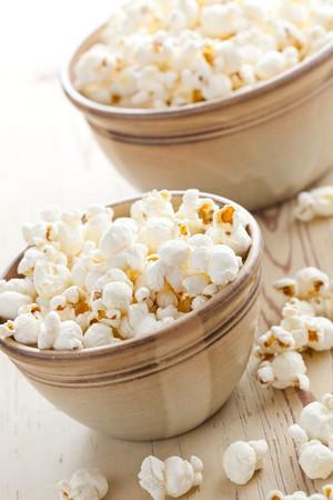 popcorn in bowl Stock Photo - 8113268
