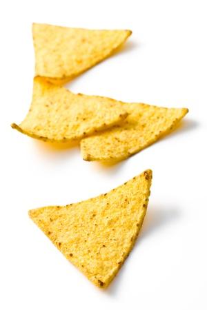 tortilla de maiz: los chips nachos sobre fondo blanco Foto de archivo
