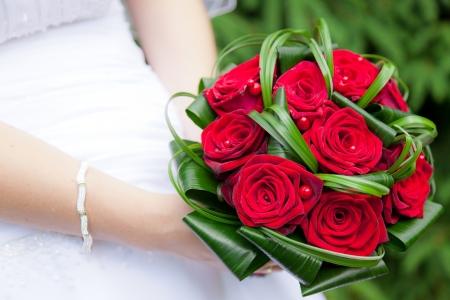 Wedding bouquet of bride's hands Banque d'images
