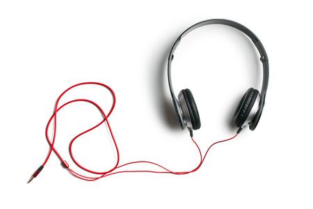 audifonos: vista superior de los auriculares en el fondo blanco
