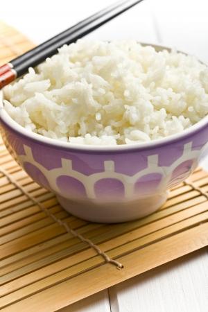 jasmine rice: boiled jasmine rice in ceramic bowl