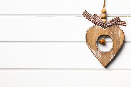 valentijn hart: houten valentijn hart hangend