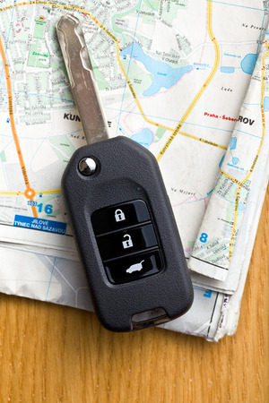 locating: the car key with map