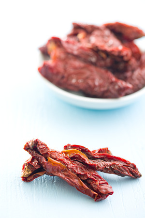 domates: sun dried tomatoes on kitchen table