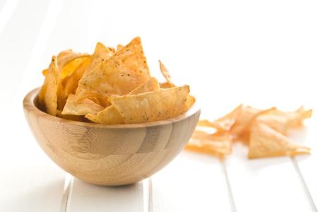 tortilla de maiz: los chips de tortilla en un tazón