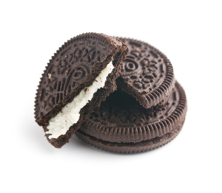 chocolate cookies with cream on white background Banque d'images