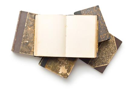 libro abierto: viejo libro abierto en el fondo blanco
