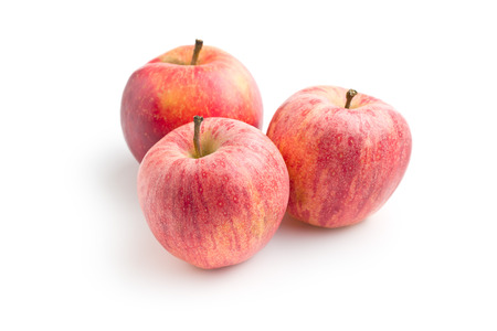 pomme rouge: red autumn apples on white background