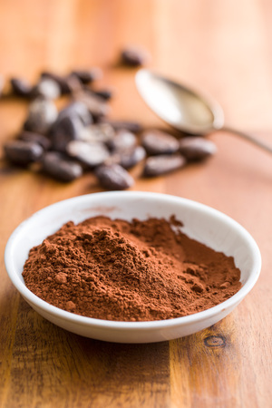 the cocoa powder in bowl 스톡 콘텐츠