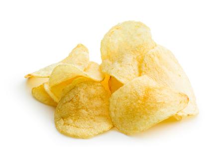 botanas: las patatas fritas crujientes en el fondo blanco