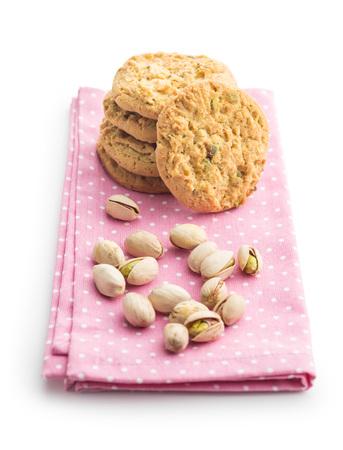 甘いピスタチオ クッキー、ピスタチオ ホワイト バック グラウンド上に分離します。