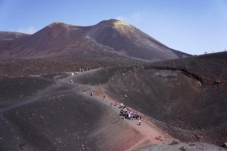 エトナ山はヨーロッパで最も高い活火山です。