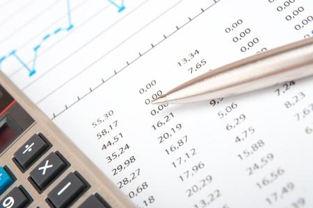 hoja de calculo: Lugar de trabajo analista negocio - calculadora, hoja de cálculo y la pluma