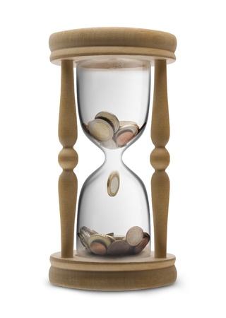 reloj de arena: El tiempo es dinero (gestión del tiempo) - reloj de arena lleno de dinero del euro