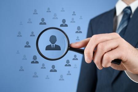 Los recursos humanos, CRM, la minería de datos y social media - concepto oficial busca empleado representado por el icono de la discriminación de género en la selección de los empleados