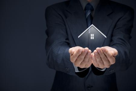 Makelaar aanbod huis Makelaar en veiligheidsconcept
