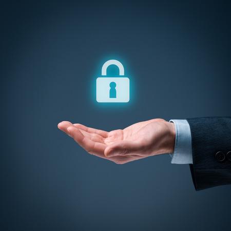 proteccion: Los servicios de seguridad y el concepto de protecci�n. Iniciar sesi�n, sesi�n conceptos. Empresario oferta candado, s�mbolo de seguridad.
