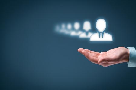 recursos humanos: Líder destacan entre la multitud (concepto). Foto de archivo