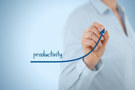 productividad: Manager (empresaria, entrenador, liderazgo) plan para aumentar la productividad de la empresa. Foto de archivo
