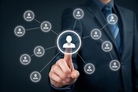 gerente: Recursos humanos agente de selección empleado o jefe de equipo (CEO). Comercialización al cliente individual y el concepto de la personalización. Foto de archivo