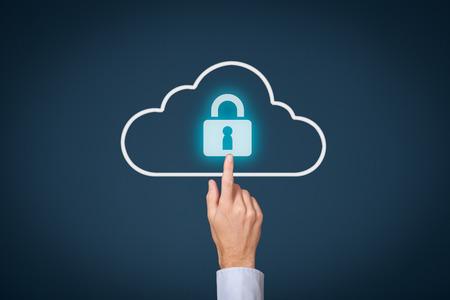 Cloud computing storage security concept. Safety data management specialist klik op cloud computing data-opslag met hangslot.
