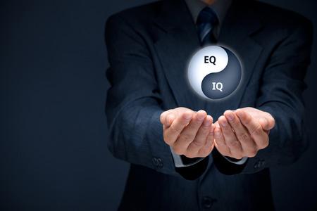 L'intelligence émotionnelle et l'intelligence logique dans l'égalité. Travailleurs d'entreprises de rapport optimal des EQ et QI.