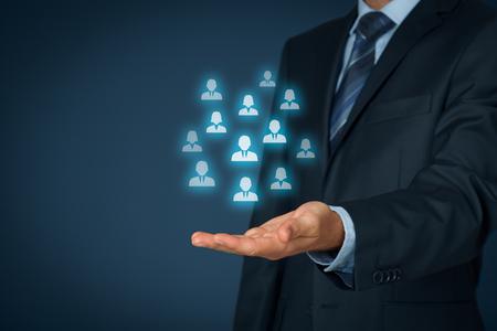 seguros: La atenci�n al cliente, la atenci�n de los empleados, recursos humanos, seguros de vida, bolsa de trabajo y los conceptos de segmentaci�n de marketing.