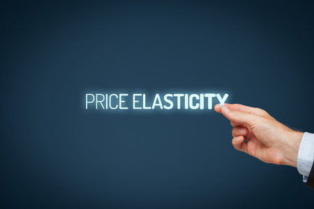 elasticidad: Precio elasticidad concepto. Fotografía elasticidad precio que ilustra - empresario elasticidad precio tirón texto. Foto de archivo