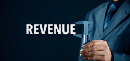 incremento: medida de los ingresos y el aumento concepto. ingreso de texto medida de negocios con la pinza.