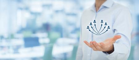 Service à la clientèle, gérer l'employé, les ressources humaines, l'assurance-vie, l'agence de l'emploi et la segmentation marketing concepts, bureau en arrière-plan, la composition de la bannière large.