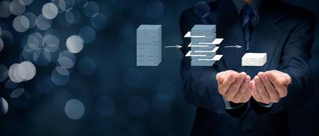 Data mining (dataminig) proces en big data-analyse (bigdata) probleem concept. Analyst geef je gestructureerd en relevante gegevens. Brede samenstelling van de banner met bokeh op de achtergrond.